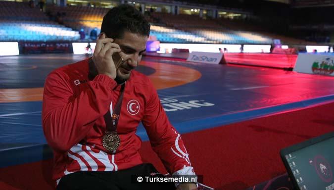 Vierde goud Turkse worstelaar vijfde keer Europees kampioen worstelen2