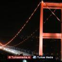 Istanbul kleurt oranje