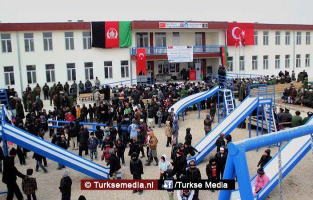 Turkije geeft complete school cadeau aan Afghanistan: 'Bedankt Erdoğan' (foto's)