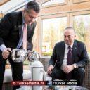 Verzoening Duitsland Turkije verloopt goed, Gabriel schenkt thuis Turkse thee in