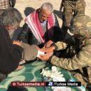 Turkse militairen verzorgen wonden van onderdrukte Syriërs in Afrin