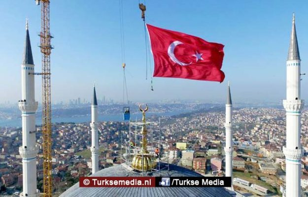 Turkije maakt zich op voor opening grootste moskee ooit