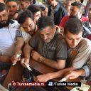 Syriërs steunen Turkse lira en ruilen hun dollars in: 'Alle beetjes helpen'
