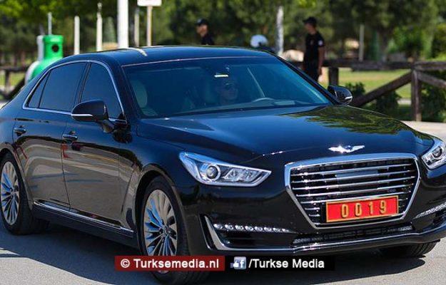 Turkse minister krijgt nieuwe dienstauto en het is geen Duitser