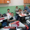 Turkije deelt honderden tablets uit aan Palestijnse kinderen in Al-Quds
