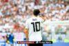 Duits elftal feliciteert Mesut Özil