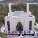 Moskee gebouwd door Turkse legerleider geopend