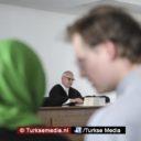 Schadevergoeding voor moslima na hoofddoekverbod op werkvloer