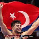 Turkse jonge worstelaar wereldkampioen
