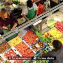 Turkse supermarkten gooien prijzen omlaag