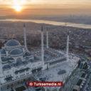 Moslims herdenken heilige nacht van Baraat