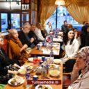Moslims en christenen aan iftartafel: 'Vorm eenheid tegen extreem-rechts'