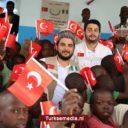 Nigerianen zien Turken als schoolvoorbeeld: Ze leren ons delen en elkaar helpen
