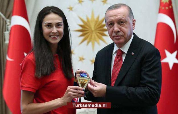 Tweevoudig Turkse wereldkampioen de geschiedenis in