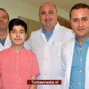 Turkse chirurgen geven jonge patiënt (16) beste feestcadeau ooit: een nieuw hart