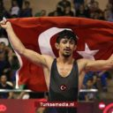 Turkse worstelaar pakt wereldtitel na zege op Armeniër