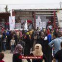 Turkije deelt voedsel uit in bevrijd Tell Abyad in Noordoost-Syrië