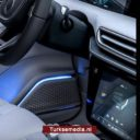 Eerste glimp interieur Turkse auto