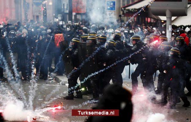 Franse politie verwondt Turkse journalist in Parijs