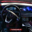 Nagenieten: detailfoto's Turkse auto