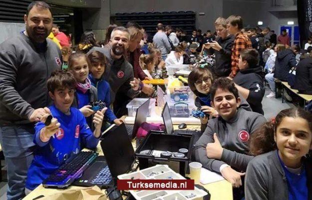 Turkse scholieren pakken wereldtitel tijdens roboticawedstrijd