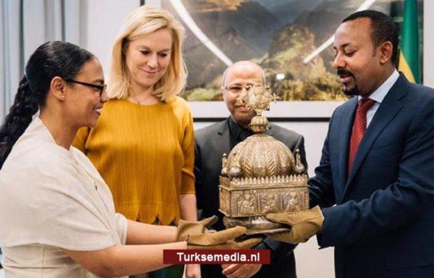 Nederland retourneert gestolen kroon aan Ethiopië