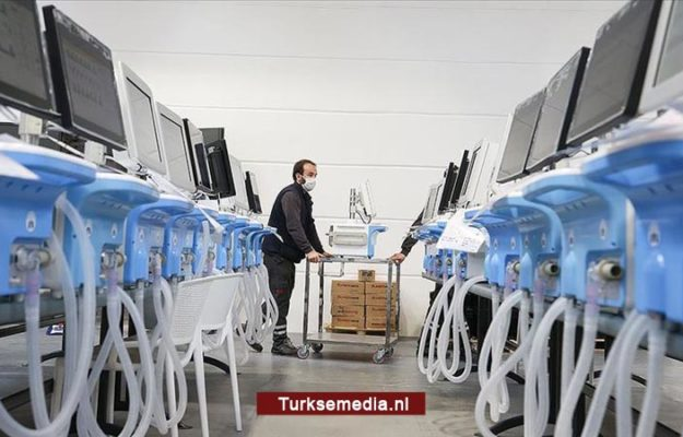 Al meer dan 1.000 nieuwe Turkse beademingsapparaten de wereld over