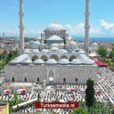 Turken massaal veilig naar eerste vrijdaggebed sinds maanden
