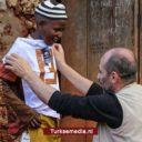 Turkse IHH deelt kleding uit aan 184.000 weeskinderen voor Offerfeest