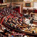 Turkije komt woorden tekort voor Frans parlement: 'Complete ramp, voorbij schandaal'
