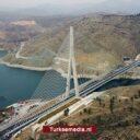 Turkije opent een van 's werelds grootste bruggen in Elazığ