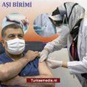 Eerste vaccin voor Turkse gezondheidsminister: 'Transparantie topprioriteit'