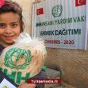 Turkse hulpgroep IHH deelt 153 miljoen broodjes uit in Noord-Syrië