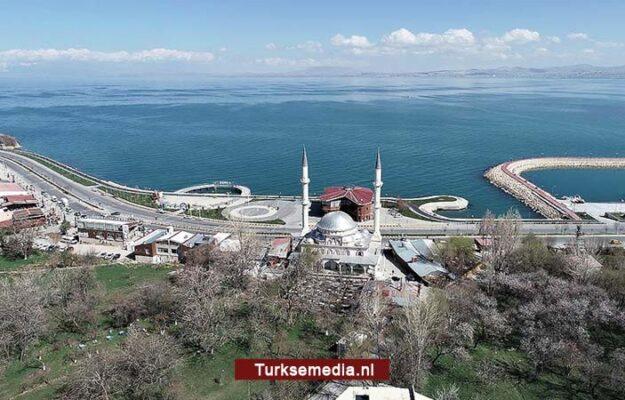 Foto van grootste meer van Turkije wint NASA-wedstrijd