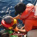 Griekse kustwacht probeert vluchtelingen in brand te steken