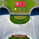 Turkije neemt nieuwe snelweg met ecologische brug in gebruik