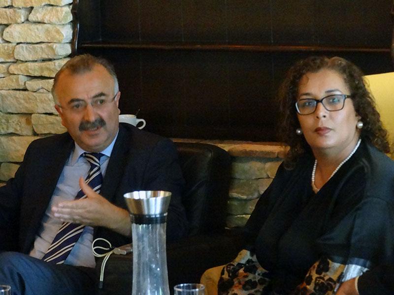 Turkse ondernemers steunen actie elk kind een schooltas for Nuhr reizen rotterdam