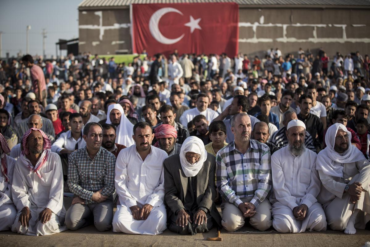 Zo vieren Syrische vluchtelingen hun Offerfeest in Turkse kampen (Foto ...